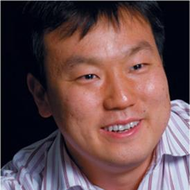 Photo of Professor Han.